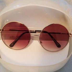 😎Women's round, gold framed sunglasses